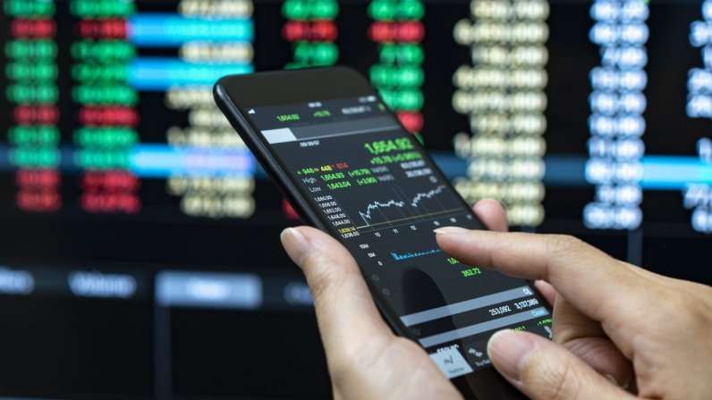 Online Trading and Internet Investments