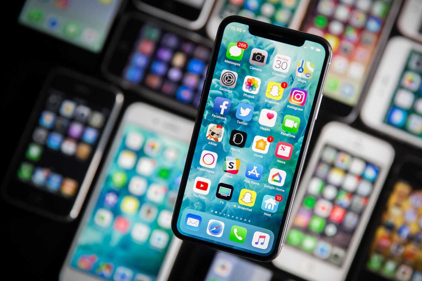 128 Million IPhones were infected with malware