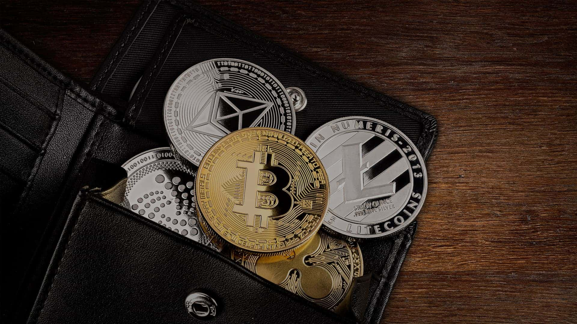 Cryptocurrencies in red
