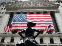 Wall Street sinks on inflation fears