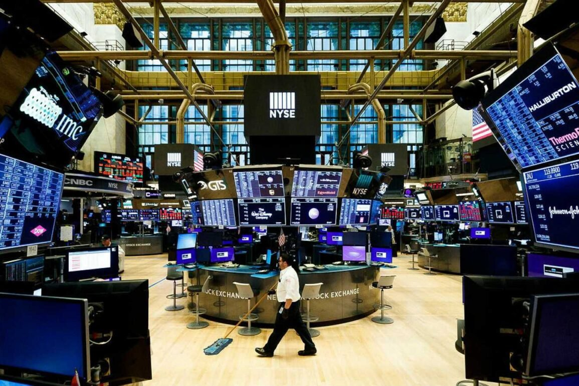 Wall Street consecutive month earnings